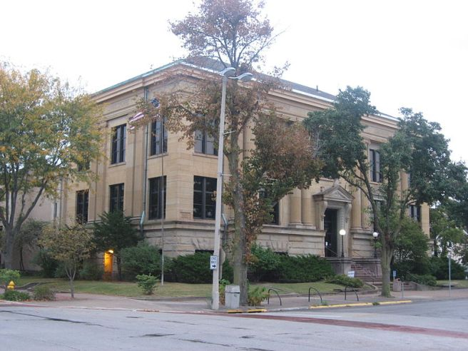 800px-Rock_Island_Public_Library_from_northwest